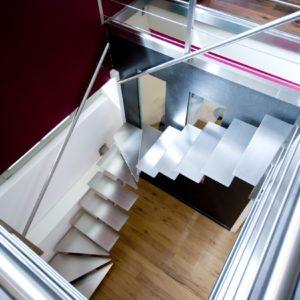 Escalier design sur mesure tout inox brossé