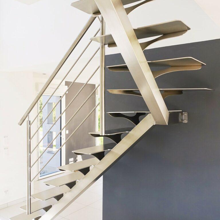 escalier inox quart-tournant